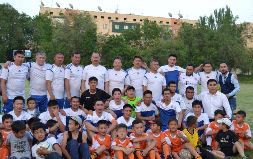 команда двух игроков футбола