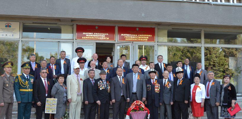 В городе Кара-Балта прошел праздничный парад в честь 73-летия Великой Отечественной Победы.