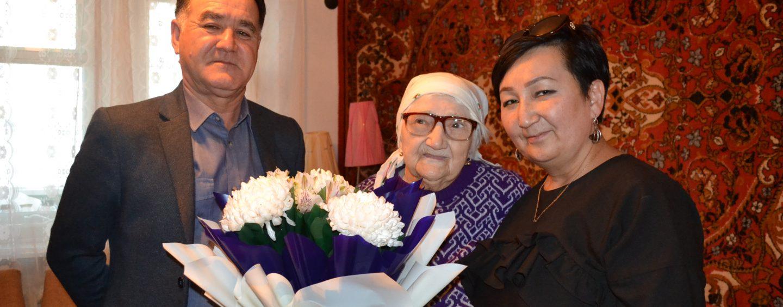 (Русский) Долгожительнице 102 года