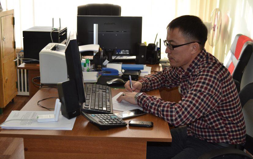 специалист ФЭО Азамат Алымкулов