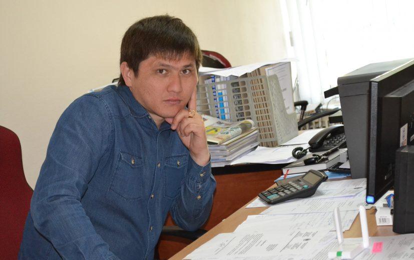 Вед.специалист ОМС Айбек Сатыбалдиев