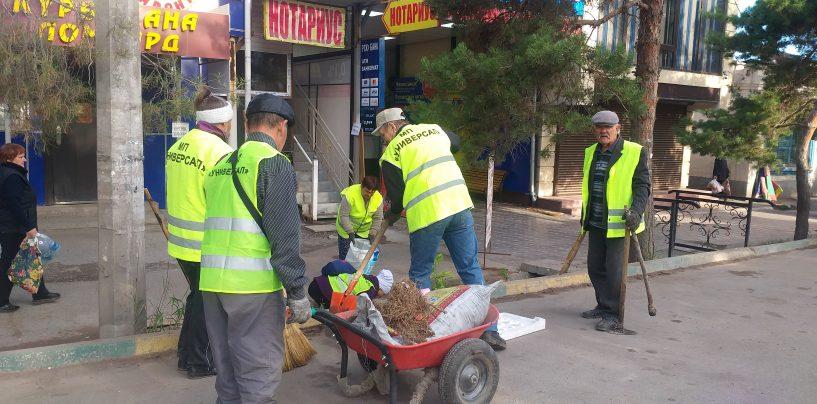 Работы по благоустройству города Кара-Балта ведутся