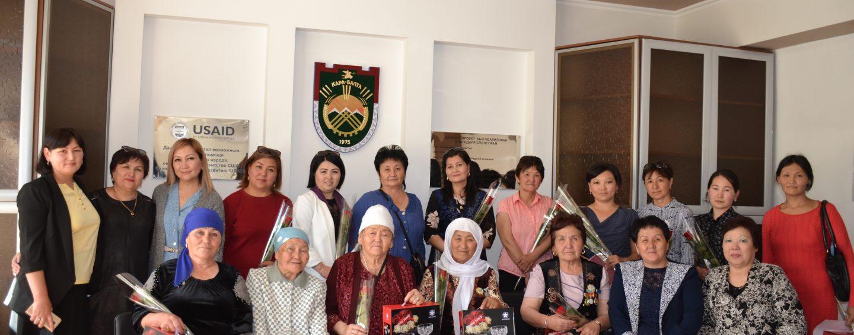 В мэрии г.Кара-Балта отметили День матери